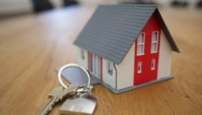 miniature de clé et maison